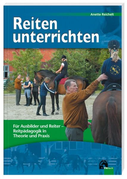 Lehrbuch 'Reiten unterrichten' © BUSSE GmbH